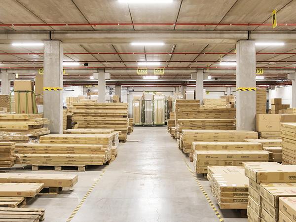Entrepôts logistiques